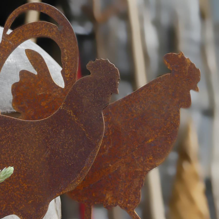 Duo petite poule et petit coq à poser en fer rouillé