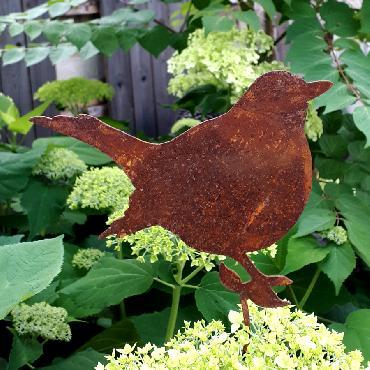 Oiseau gros merle avec tige de fixation en fer rouillé
