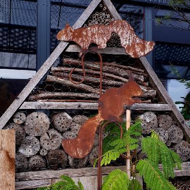 Duo écureuils avec crochets à piquer en fer rouillé