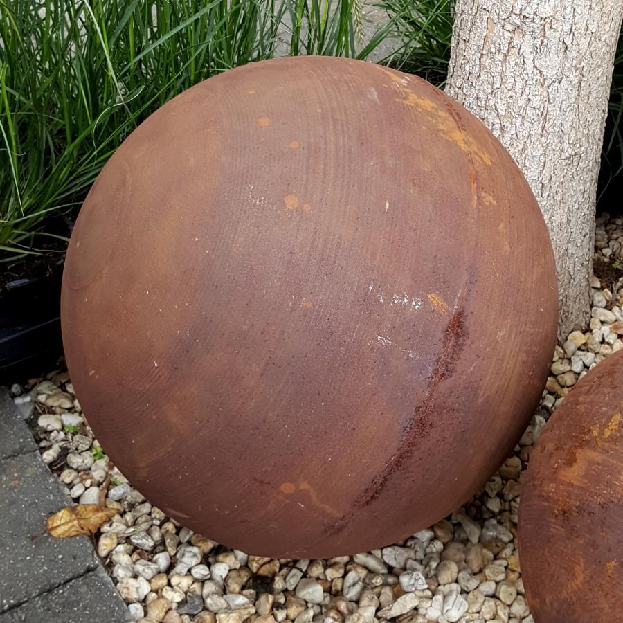 Boule diamètre 40 cm à poser en fer rouillé