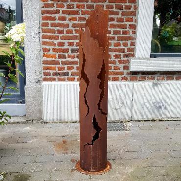 Petite colonne de feu à poser en fer rouillé