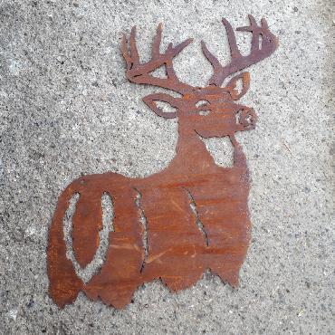 Décoration murale cerf à suspendre en fer rouillé