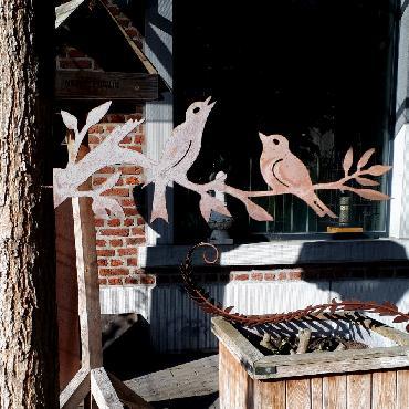 Deux oiseaux sur branche à visser en fer rouillé