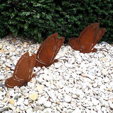 Grands et petit papillons à visser en fer rouillé
