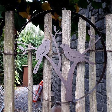 Cercle décoratif 2 oiseaux diamètre 35 cm à suspendre ou à poser en fer brun