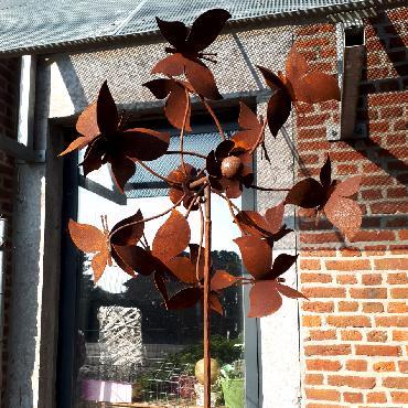 Eolienne papillon diamètre 50 cm à piquer en fer rouillé