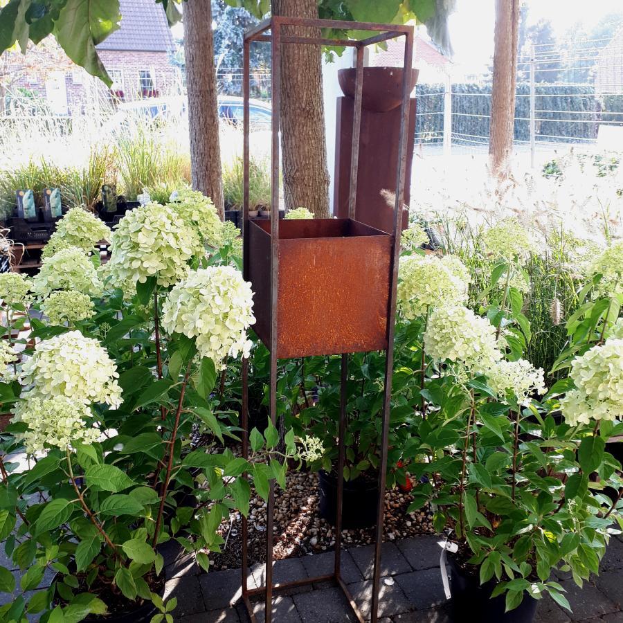 Jardinière haute de 140 cm de haut à poser en fer rouillé