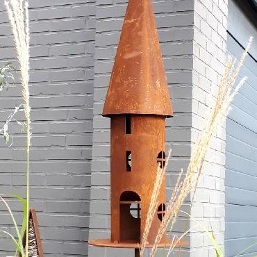 Grande mangeoire oiseaux section ronde à piquer en fer rouillé