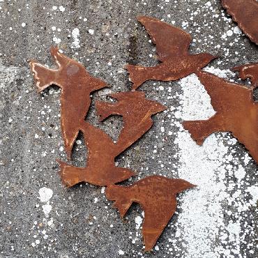 Décoration murale hirondelles à suspendre ou à poser en fer rouillé