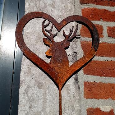 Coeur cerf à piquer en fer rouillé