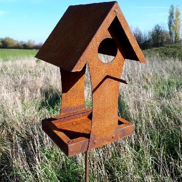 Mangeoire oiseaux ouverte avec perchoir à piquer en fer rouillé