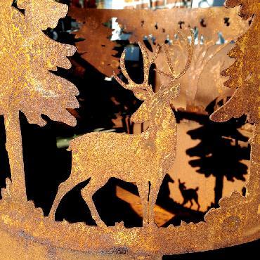 Brasero cerf et forêt à poser en fer rouillé