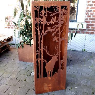 Colonne cerf forêt à poser en fer rouillé