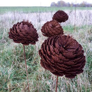Fleur artichaut diamètre 27cm à piquer en fer rouillé