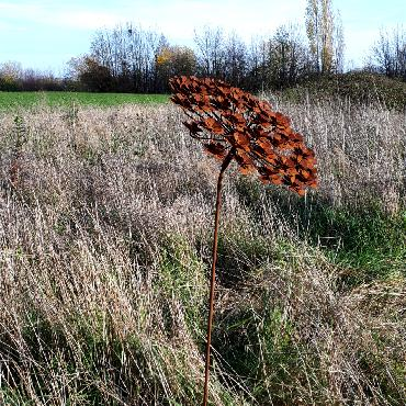 Grande fleur d'hortensia à inflorescences plates diamètre 35cm à piquer en fer rouillé
