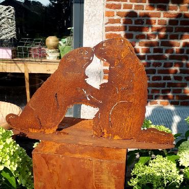 Deux marmottes à poser en fer rouillé