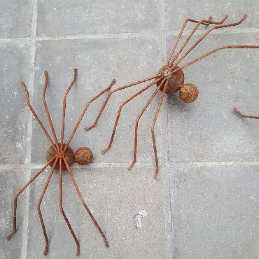 Araignée à poser en fer rouillé