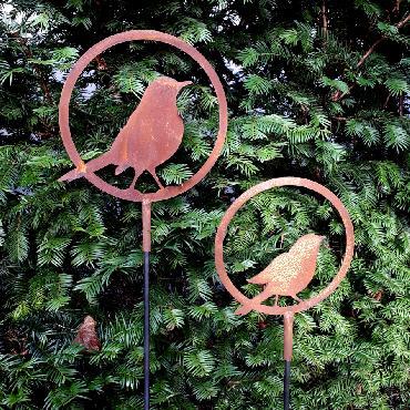 Anneaux oiseau prêt à s'envoler diamètre 20 et 22 cm à piquer en fer rouille