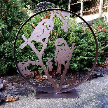 Cercle décoratif 2 oiseaux sur branche avec baies diamètre 30 cm à poser en fer brun