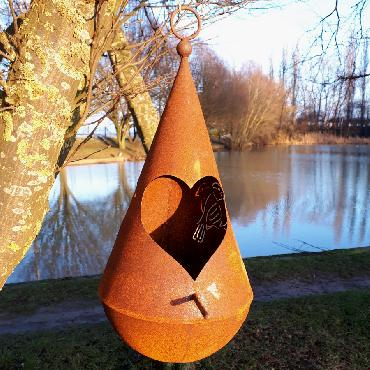 Nichoir oiseaux H45cm avec fond arrondi à suspendre ou à poser en fer rouillé