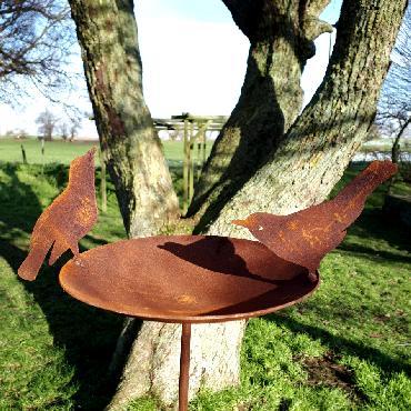 Bain d'oiseaux H142xD19cm à piquer en fer rouillé