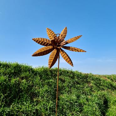 Eolienne fleur marguerite H160xD36cm à piquer en fer rouillé