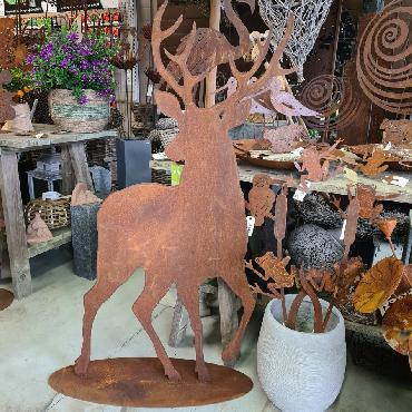 Grand cerf élégant H148cm à poser en fer rouillé