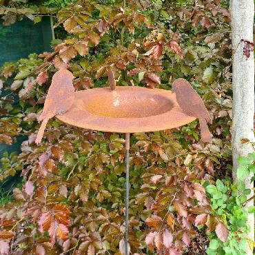 Bain 3 oiseaux H133.5xD48cm à piquer en fer rouillé