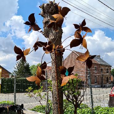 Eolienne double hélice papillons D70xH230cm à piquer en fer rouillé