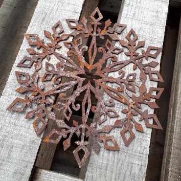 Flocon D23cm à suspendre ou à poser en fer rouillé