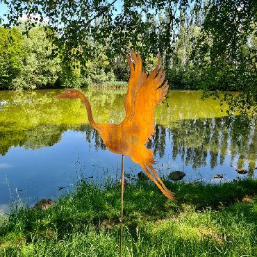 Oiseau héron volant H150cm à piquer en fer rouillé