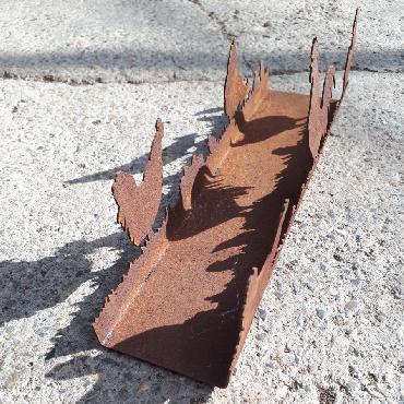 Poules, coq et poussins en balade L30.5cm à poser en fer rouillé