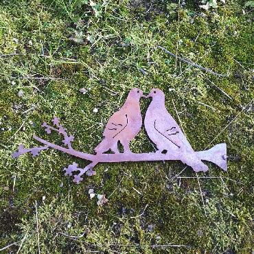 Deux tourterelles à visser