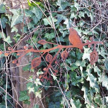 Oiseau sur branche avec fruits à suspendre ou à poser